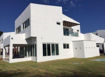 Casa para Alquiler y/o Venta amueblada en David, Chiriquí
